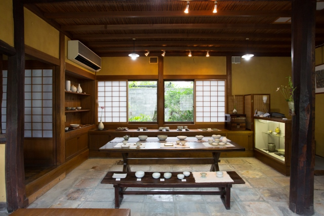 Japanese pottery shop